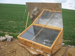 Kochen mit der Sonne im Solarofen @ Selbstversorgungsgarten-'im Garten Leben'