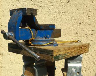 [UFER-Workshop] Bau eines mobilen Schraubstocks @ Gemeinschaftsgarten Prohlis